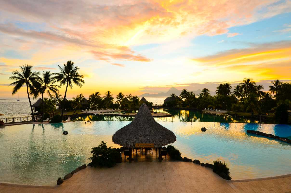Gold partenaire du Digital Festival Tahiti 2018, l'InterContinental Tahiti Resort & SPA au sunset